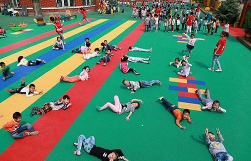 菲菲幼儿园悬浮地板